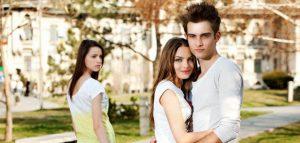 : http://www.uniquecardwedding.co.id/usia-rawan-perselingkuhan