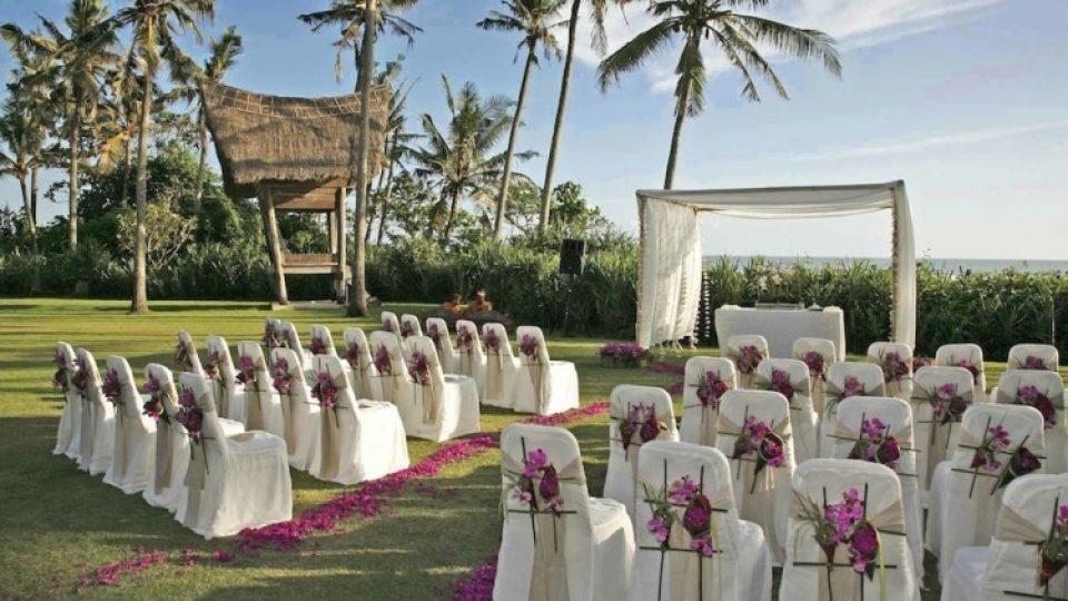Tema-Dekorasi-pernikahan-Pesta-Pantai