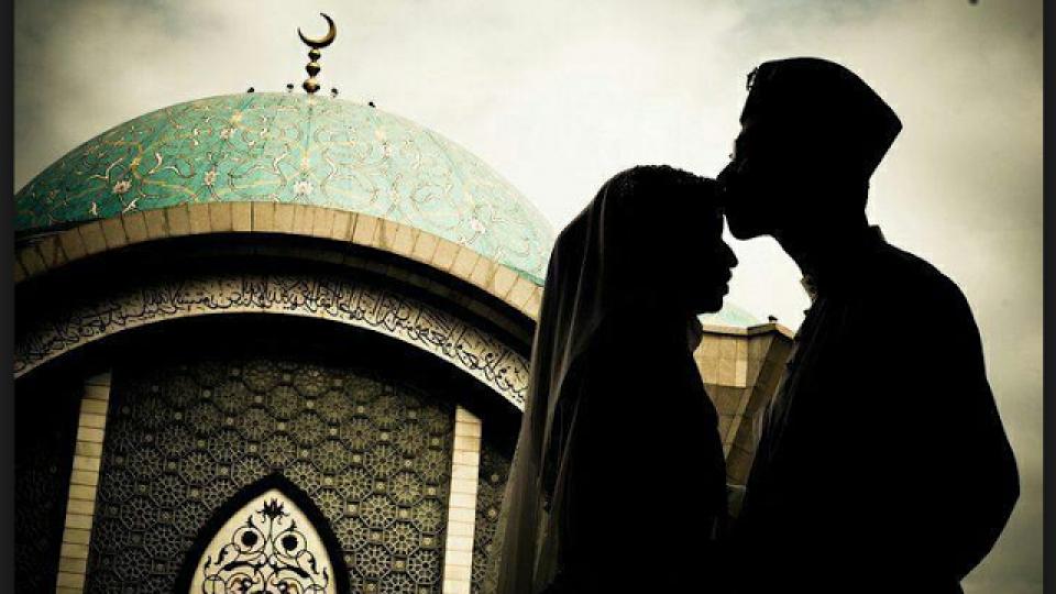 taat pada suami