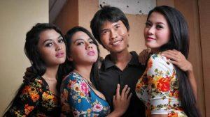 pasangan poligami